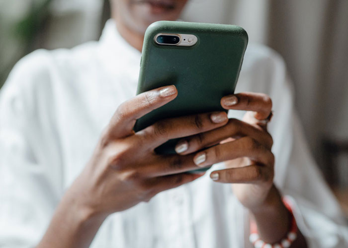 Smartphone are often too big for female hands