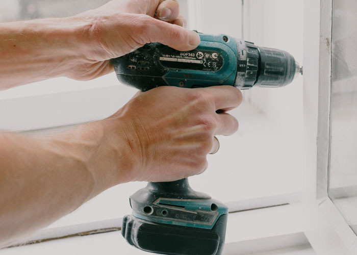 Women often cannot properly grip household tools because they are made for much larger 'male' hands.