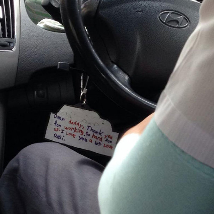A customer spotted this adorable note hanging from a cab driver's steering wheel