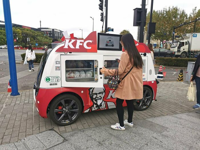 32. Driverless sales vehicle